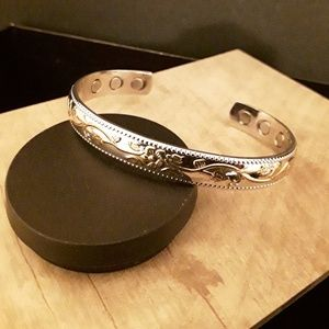 Jewelry - NEW Copper Magnet Cuff Bracelet